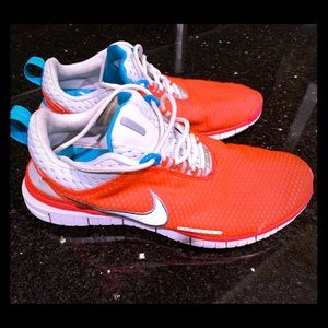 Women's Nike athletic shoes in size 9.5